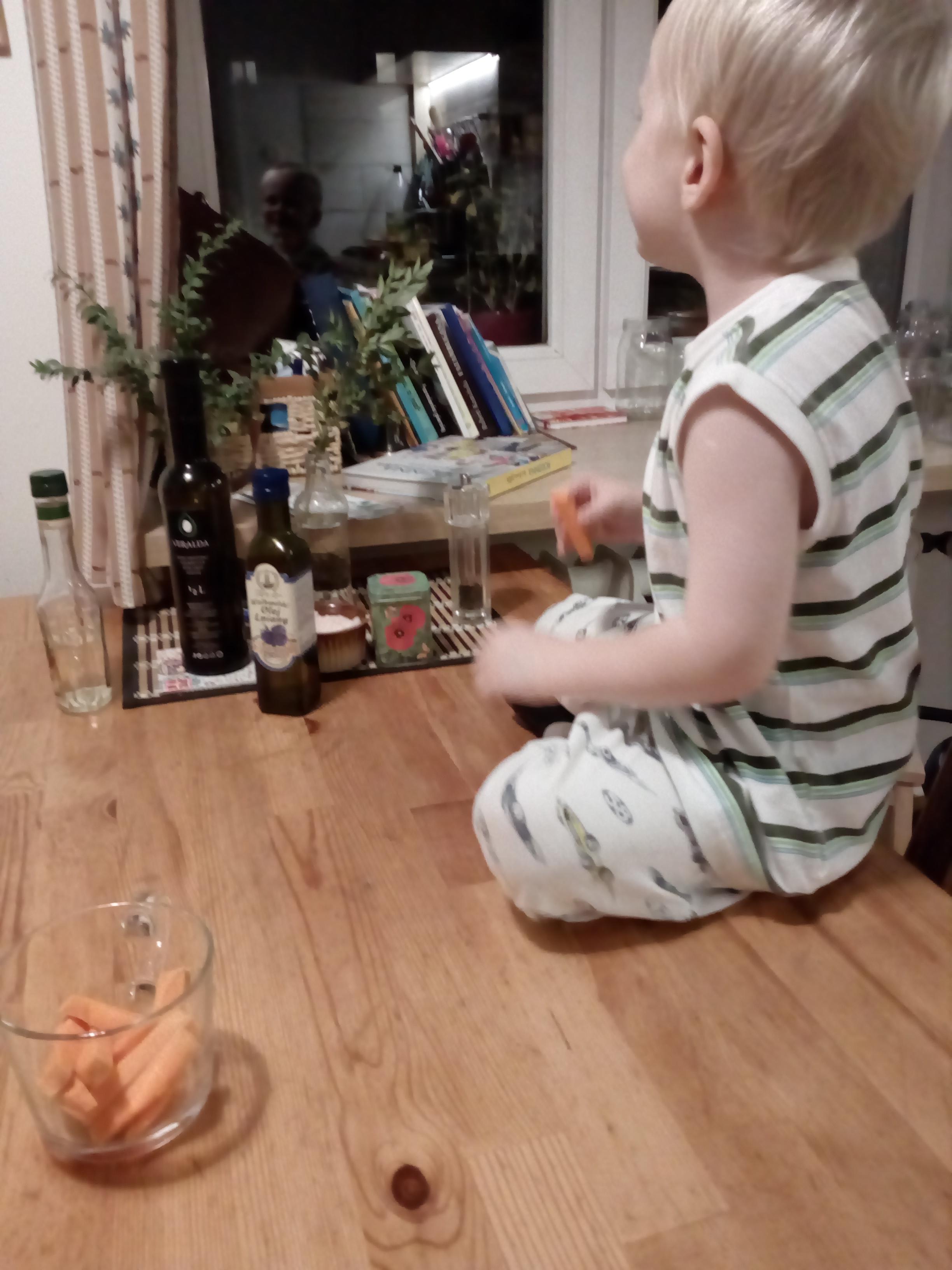 Chrupiemy marchewki wieczorową porą ;)